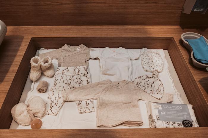 Wild Flower Photography - Valeska geboortefotograaf geboortefoto's verloskundige baby kraamzorg newborn babykamer babykleertjes-1