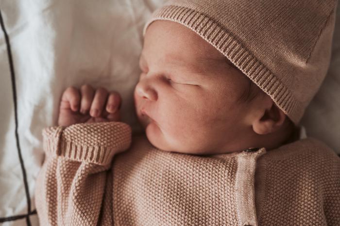 Wild Flower Photography - Valeska geboortefotograaf geboortefoto kraamzorg verloskundige newborn baby familie-1